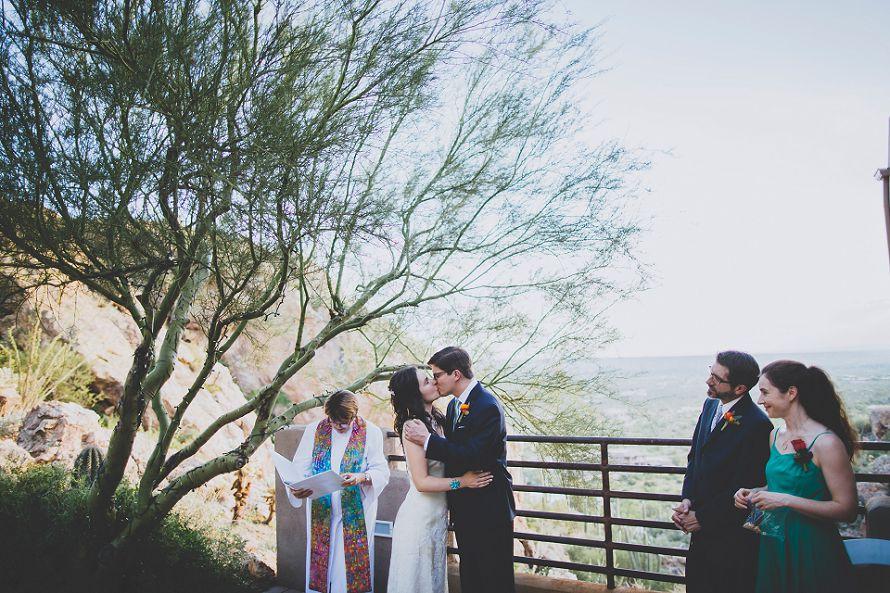 tucson bride and groom wedding kiss