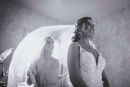 Bride wedding photo in Tucson Arizona by Wedding Photographer Justin Haugen